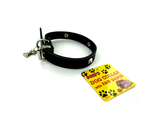 Dog collar with bone-shaped charm