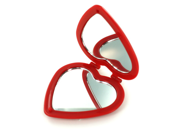 Heart-shape compact mirror display