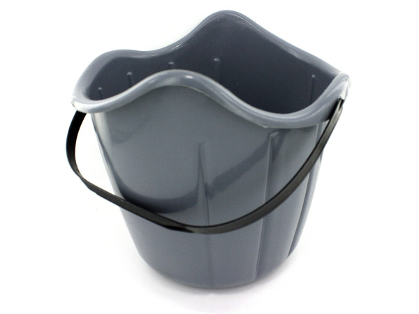 All-purpose bucket with handle