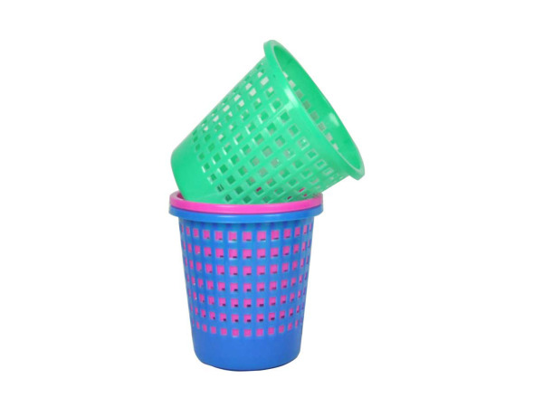 Oval plastic trash can, assorted colors